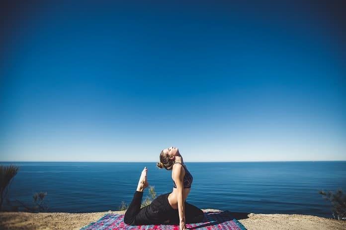 Meditation vs Yoga