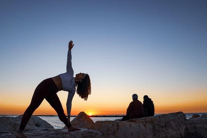 AmazonBasics Yoga Mat Review